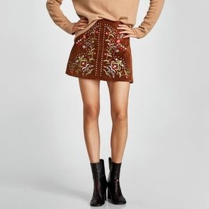 NWT Zara brown suede embroidered skirt S